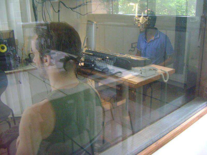 Photographer:radio team   interview session