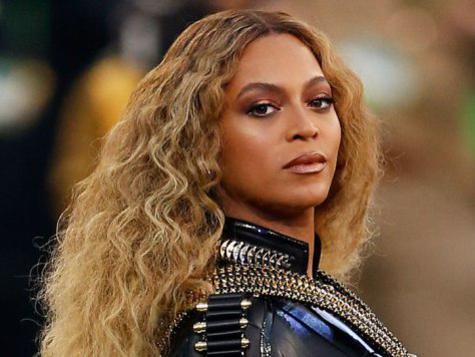 Photographer:web   Beyonce