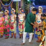 six girls of Auro Amsathvani  Group performing Baharta Natiyam Dance