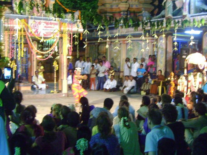 Photographer:Serena | six girls of Auro Amsathvani  Group performing Baharta Natiyam Dance