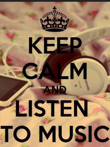 Photographer:internet   keep calm and listen to music