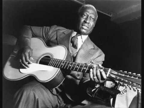 Photographer:web | Lead Belly