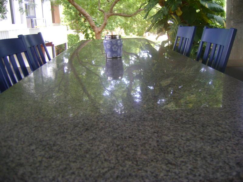 Photographer:Luna and Tharan | table