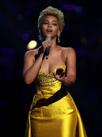 Photographer:web | Beyonce with  Etta James cover  - At Last