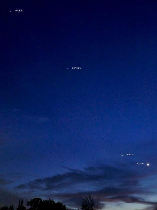 Photographer:web | Moon, Venus, Saturn, Mars on 3rd of October byZefri Besar in Brunei Darussalam island of Borneo