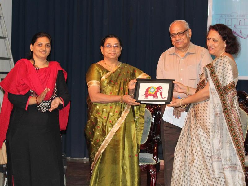 Photographer:Ram Prasanth | Prof. Anisha Basheer Khan (Vice-Chancellor (i/c) of Pondicherry University) presentes a memento