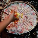 worshiping money