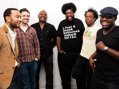 Photographer:web | John Legend and The Roots