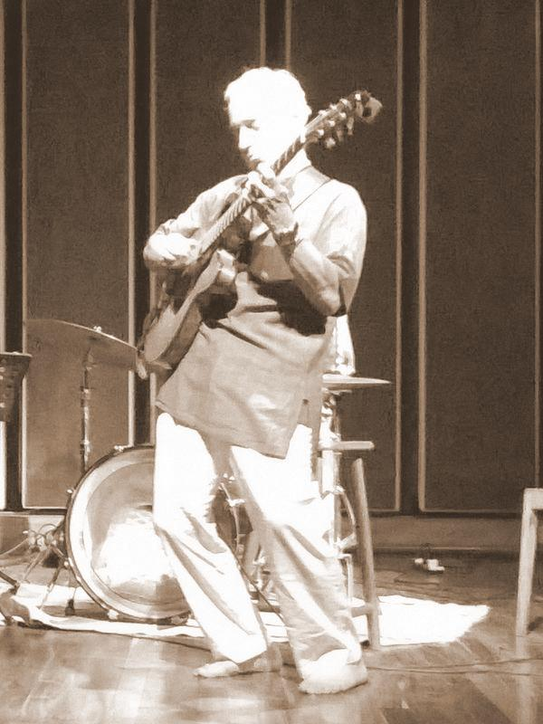 Photographer:Alhya | Jazz Night at Cripa with Sid Jacobs on jazz guitar