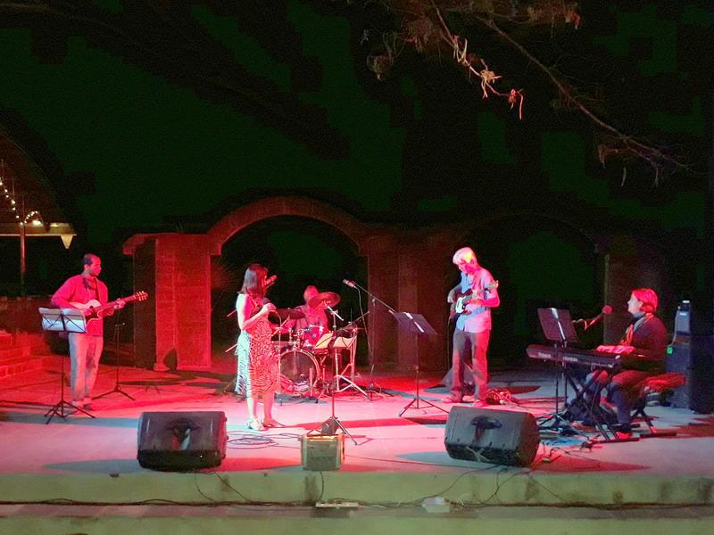 Photographer:Belinda | Bossa Nova and Rock Band..and others- ELiani with Bossa Nova