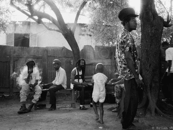 Photographer:web | Trench Town Status