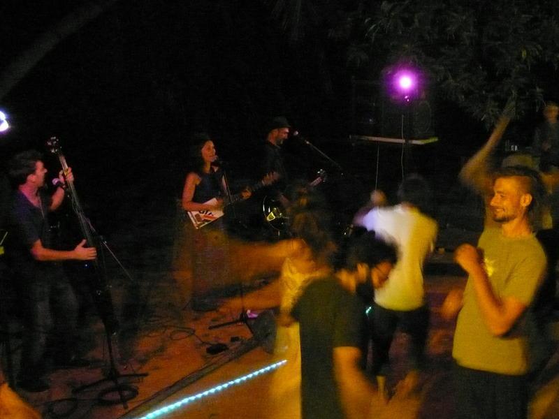 Photographer:Wobbli | Ziia and the Swing Mates