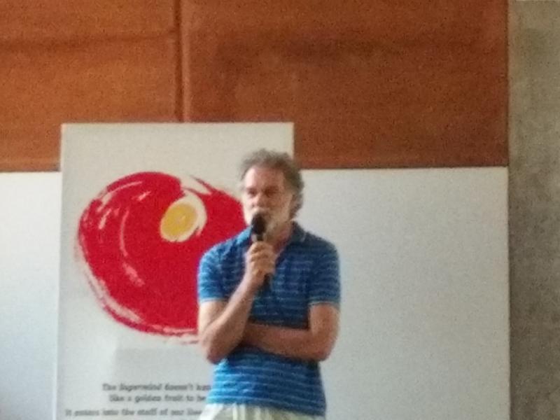 Photographer:Romel | Micheal Bonke presenting the solar power plant for Auroville
