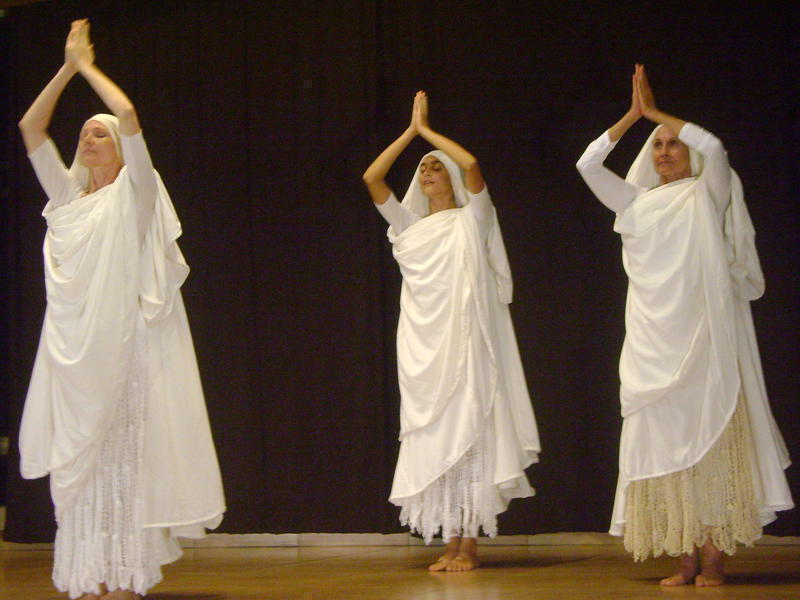 Photographer:Neha | Worshiping the 'Devi'.