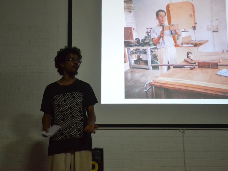 Photographer:Siddharth   Mayank talking about Kanji.