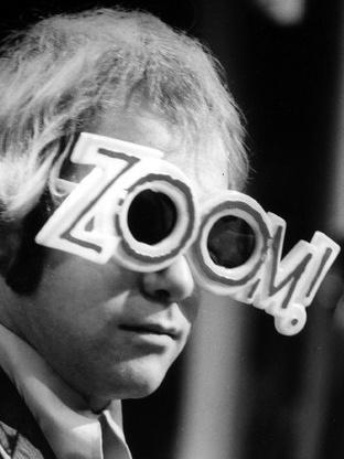 Photographer:web   Elton John