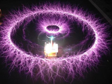 Photographer:web   Nikola Tesla