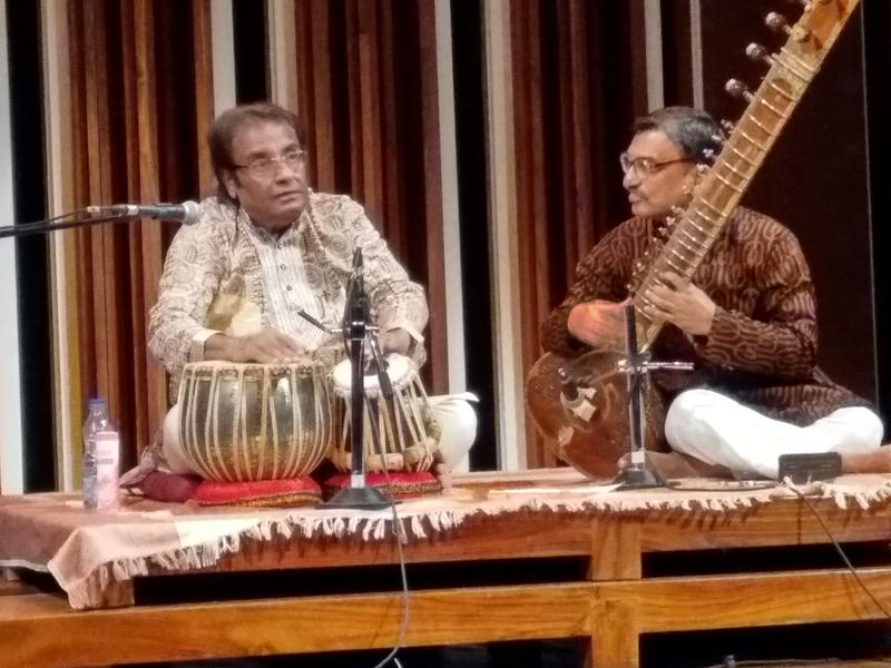 Photographer:Ray | Perfect interaction between tabla and sitar