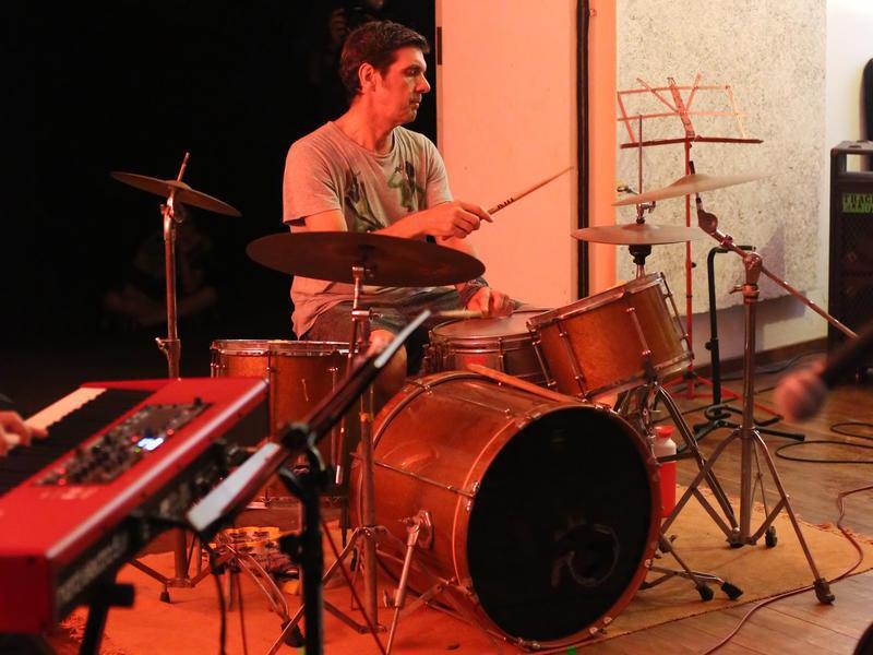 Photographer:Ake/AVArtservice | Ray on the drumset