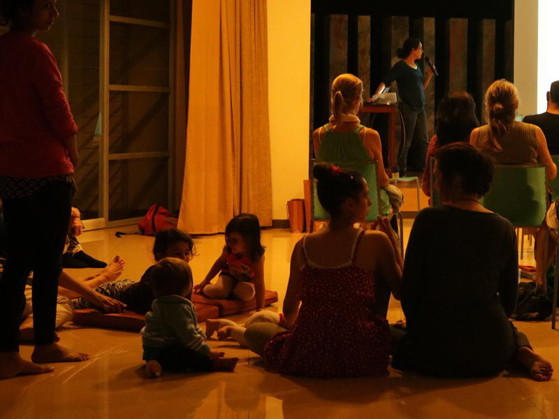 Photographer:Zoe | Children and parents in the audience