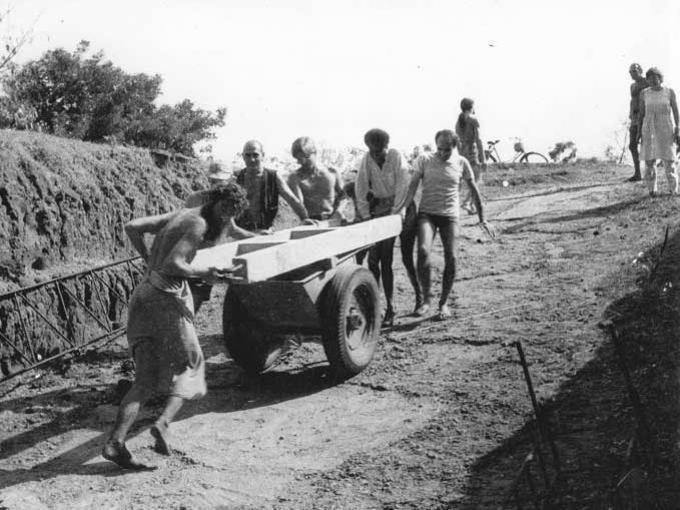 Photographer:web | Early Aurovilians Working