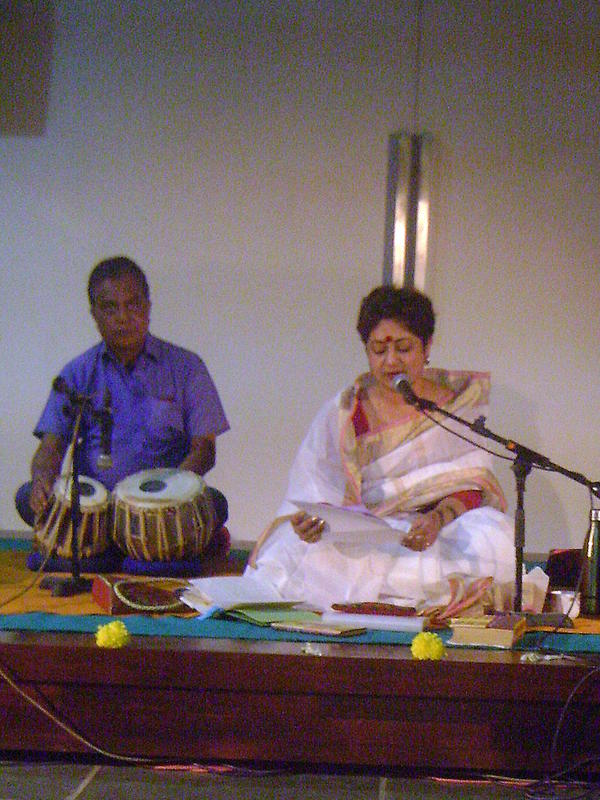 Photographer:Nela | Manosh Bardhan and Damayanti Datta offering Tianjali