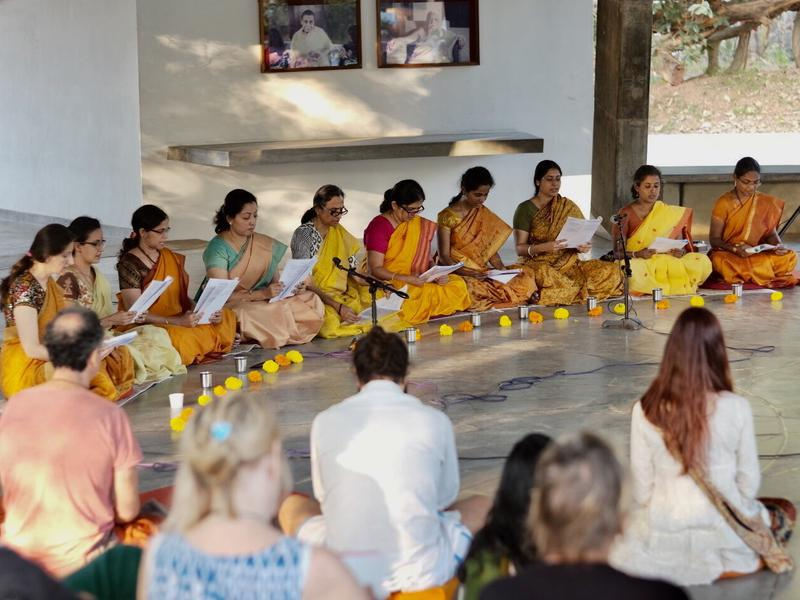 Photographer:Satyajit C P | Traditional Vedic Chanting in SAWCHU by teachers of Yogavahini School, Chennai