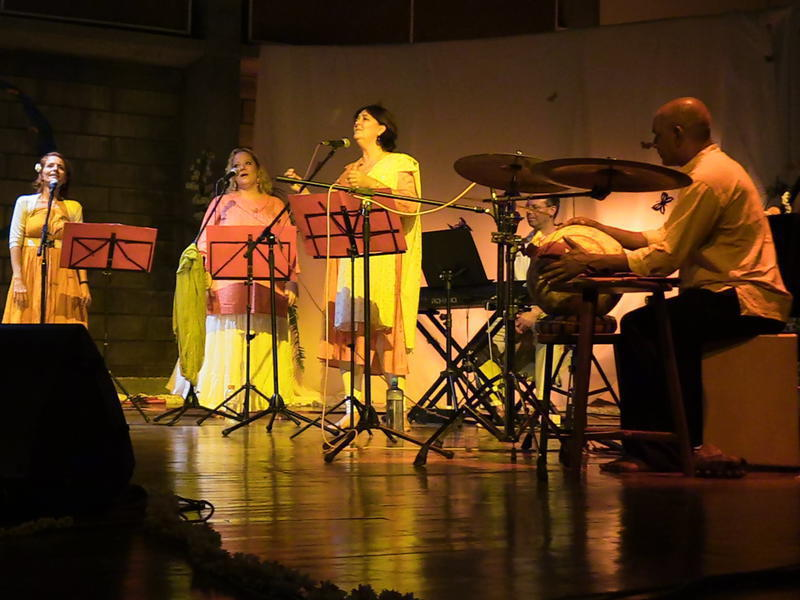 Photographer:Andrea | Auroville Sisters and Brothers performing in CRIPA / Auroville