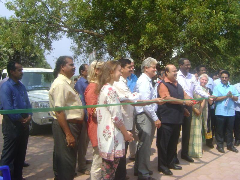 Photographer:Antonio | Dr. Sarat Kumar Acharya cutting the ribbion here in Auroville.