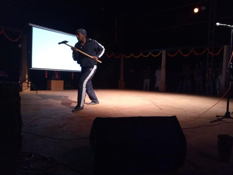 Photographer:S. Praneeth Simon | Acharya Raghu performing Sailum using Dhamozam weapon