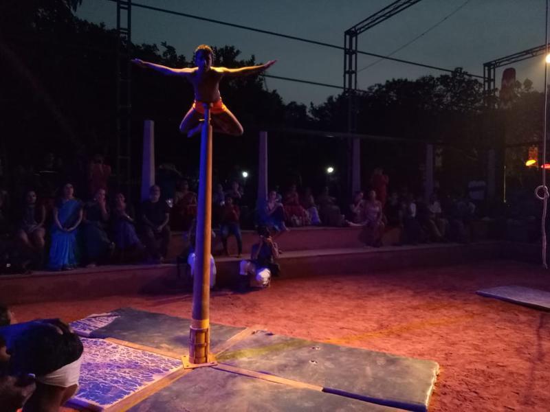 Photographer:S. Praneeth Simon | Malkhamb performance by children at the Kalarigram