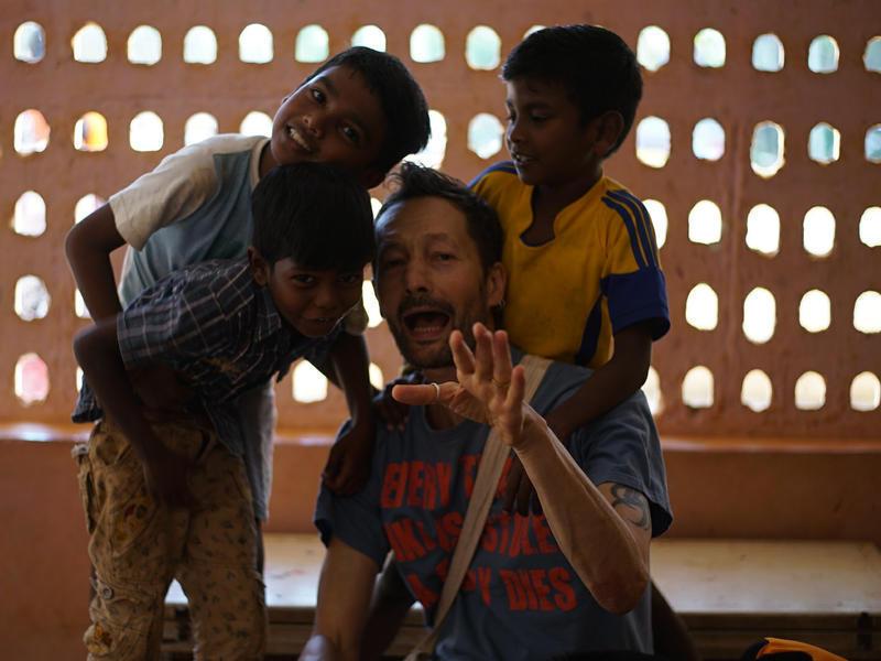 Photographer:Anais   Wobbli along with Kottakarai kids at the event.