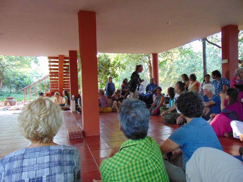 Photographer:Lana | gathered audience listening attentively to Marko