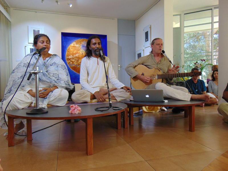 Photographer:Amadea | Mita, Manoj and Nadaka with music