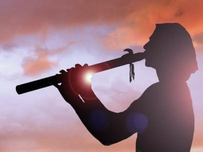 Photographer:web | flute player