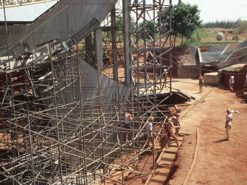 Photographer:Mauro   Prime costruzioni del Matrimandir (foto del 1979 circa)