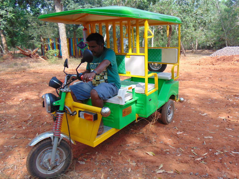 Photographer:web | electric rikshaw from ITS