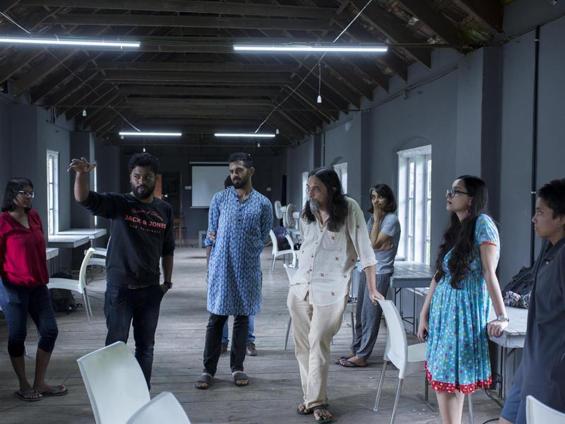 Photographer:Kochi Muziris Biennale Foundation | Orijit Sen with Students for the Master Class Workshop June-July 2018