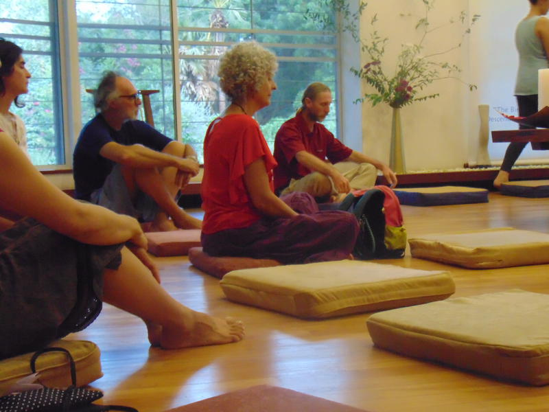 Photographer:Gino | People meditating while sounds were played in the room