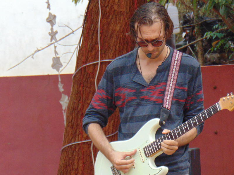 Photographer:Gino   Edo on lead guitar