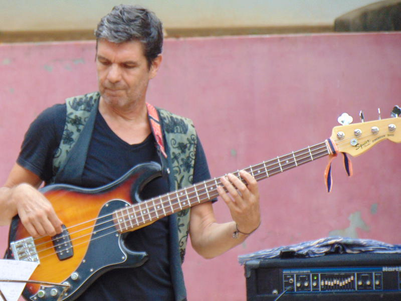 Photographer:Gino   Ray on bass