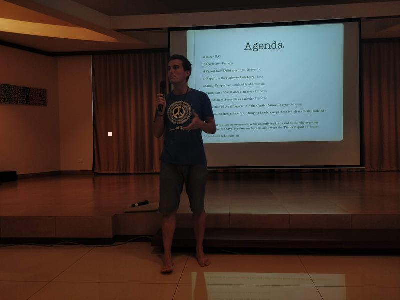 Photographer:Avdhi | Michael giving the youth perspective on the current situation in Auroville