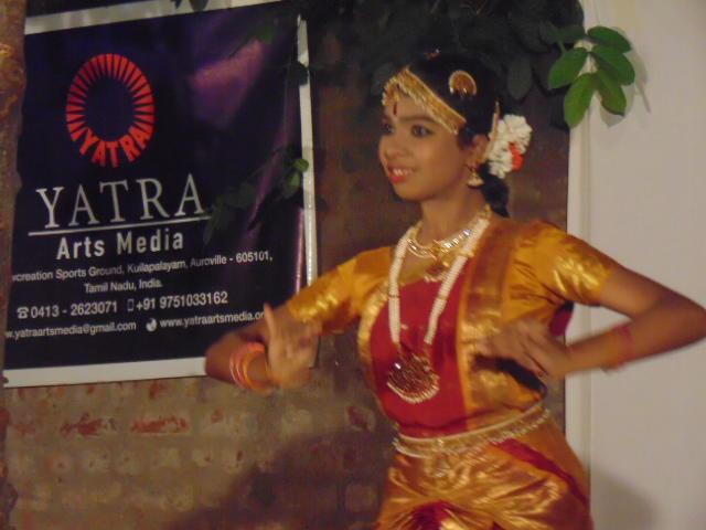 Photographer:Gino   Priya dancing Bharat Natian