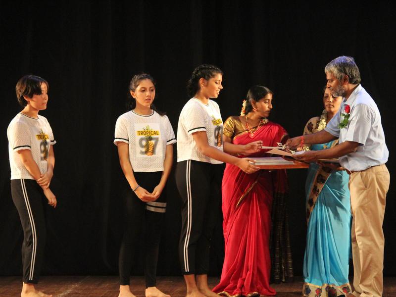 Photographer:Venkatesh and Team   Selvaraj awarding mementos to the Bulletproof Girl Scouts