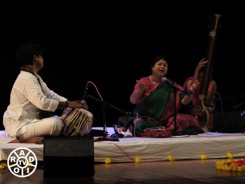 Photographer:Wobbli | Sri Prashant Pandav on Tabla and Kalapini Komkali