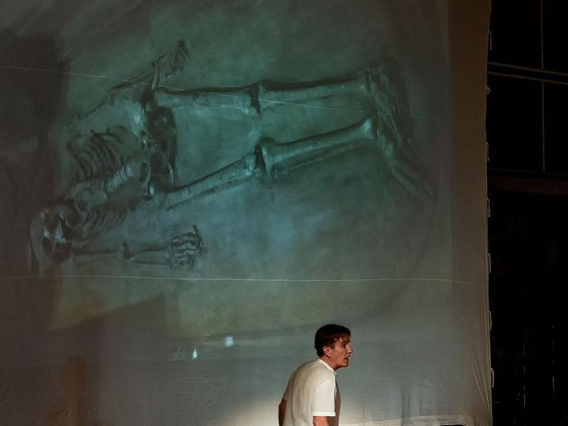 Photographer:Piero Cefaloni | Hamish speaks on love and death