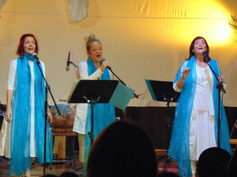 Photographer:maryliz   Swaha, Vera and Shakti harmonizing their voices