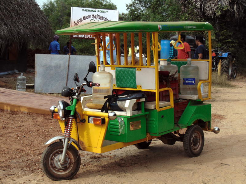 Photographer:Lina | elctric rikshaw donated by ITS
