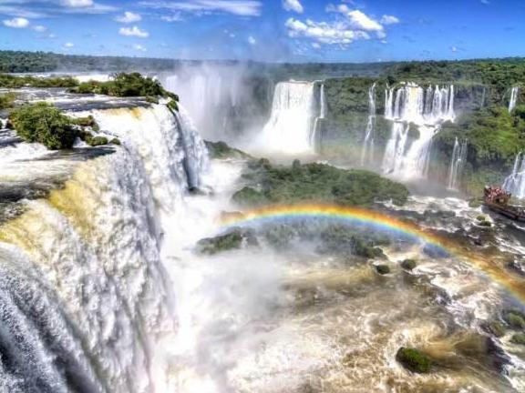 Photographer:web | Cataratas del Iguazú> límite entre Brasil y Argentina .