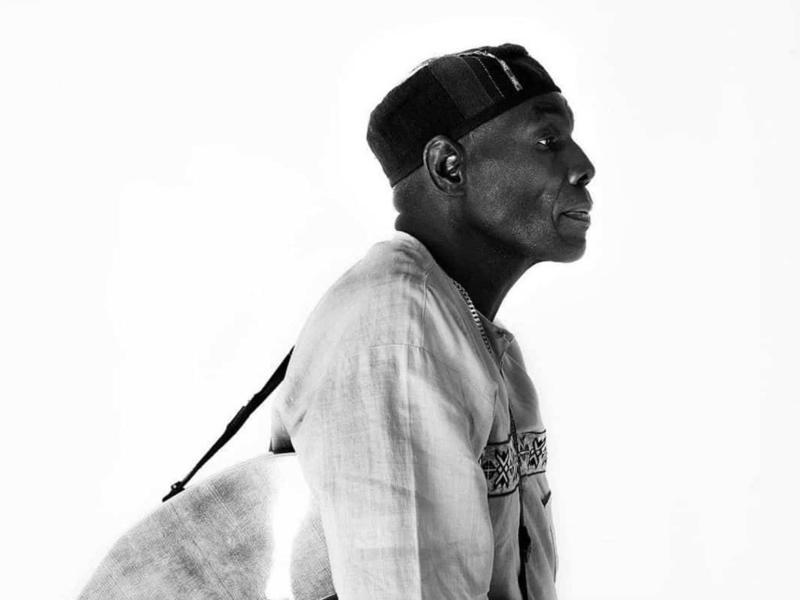 Photographer:web | Oliver Mtukudzi